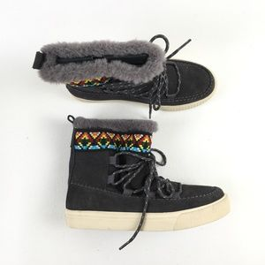 Toms Gray Fur Alpine Boots D1915793